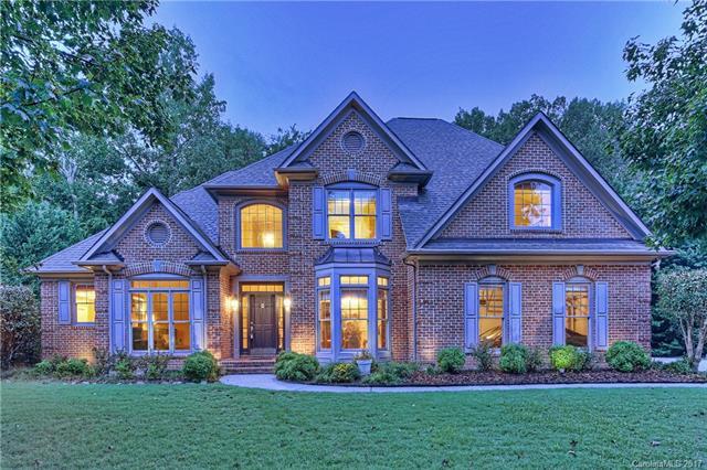 6417 Woodleigh Oaks Drive, Charlotte, NC 28226