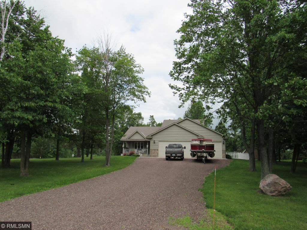101 Carriage Hill Drive, Hinckley, MN 55037