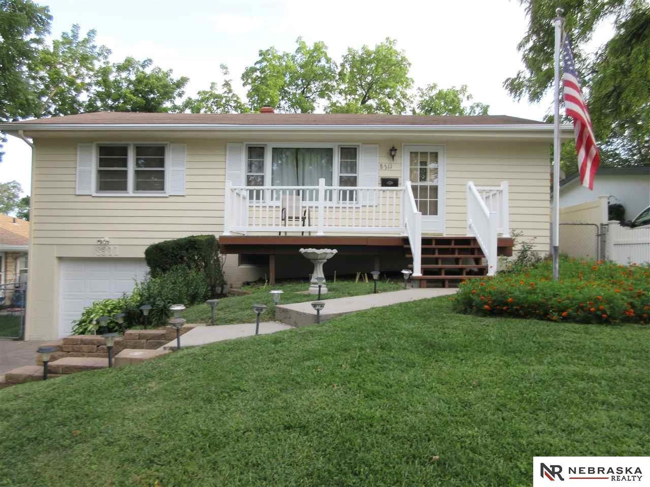 8311 Maywood Street, Ralston, NE 68127