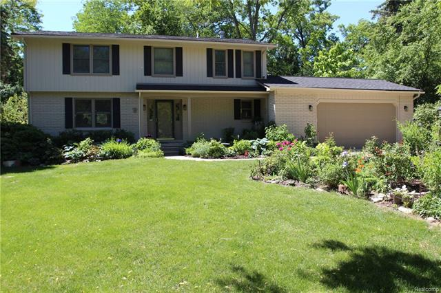 1990 SQUIRREL VALLEY Drive, Bloomfield Twp, MI 48304