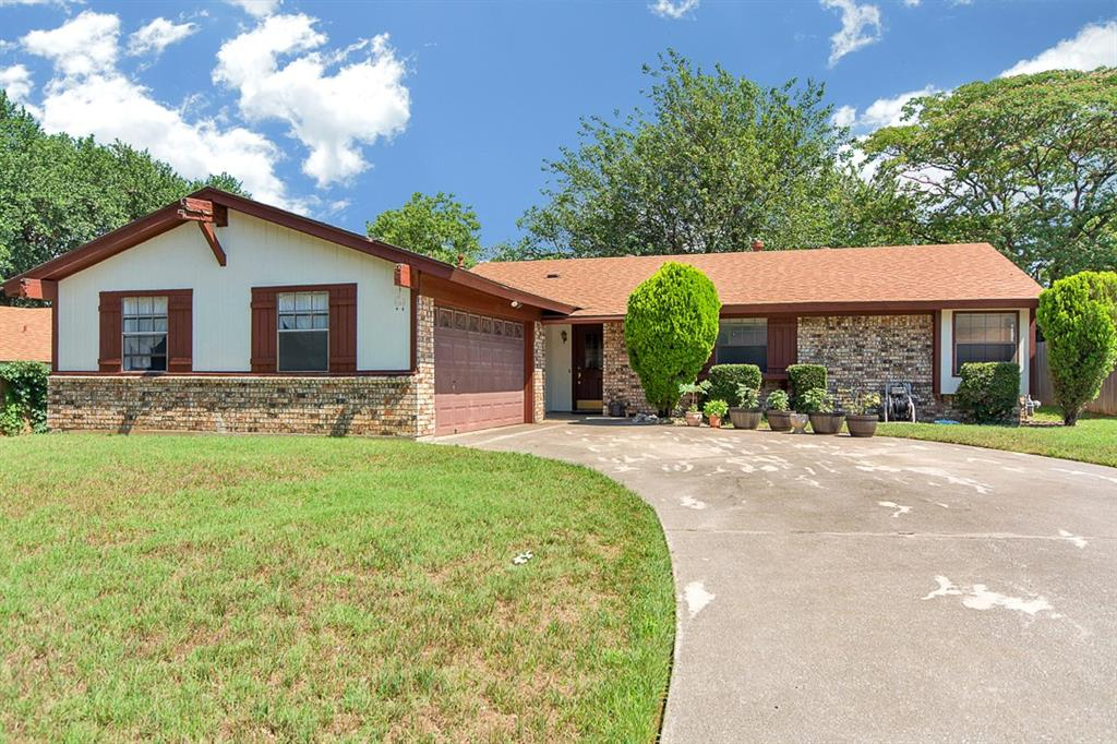 2114 Pecos Drive, Grapevine, TX 76051
