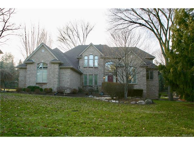 4882 DEER CREEK CIR S, Washington Twp, MI 48094