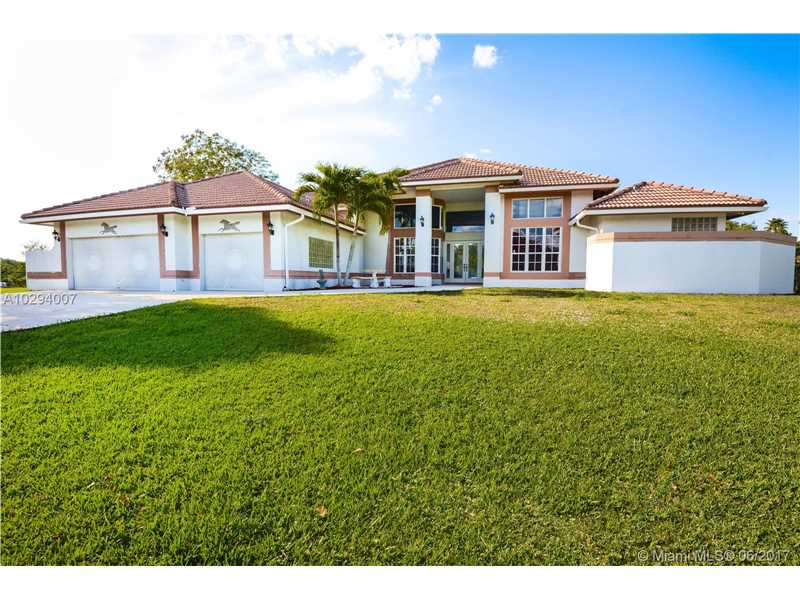 19001 SW 50th St, Southwest Ranches, FL 33332