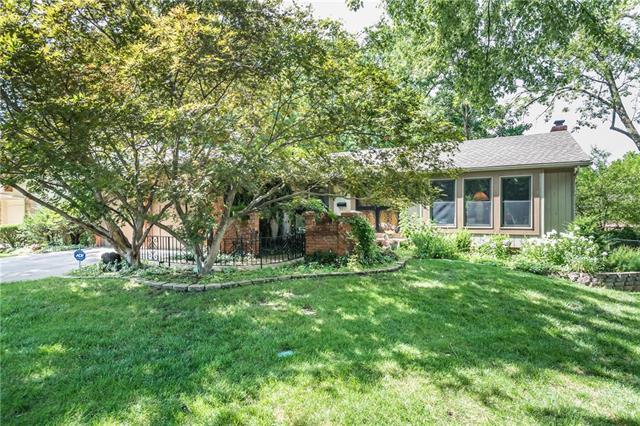 10112 W 99th Terrace, Overland Park, KS 66212