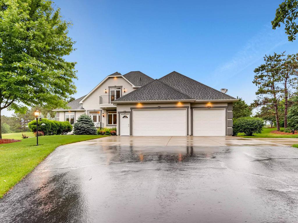 11401 Kingsborough Trail S, Cottage Grove, MN 55016