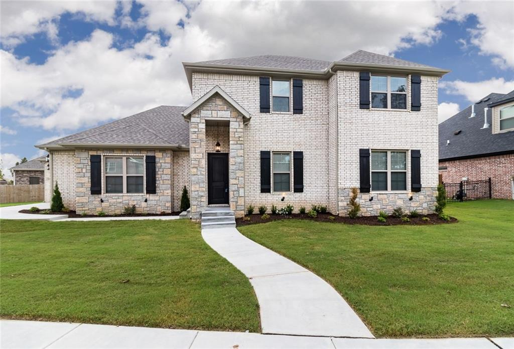 1690 S Coopers COVE, Fayetteville, AR 72701