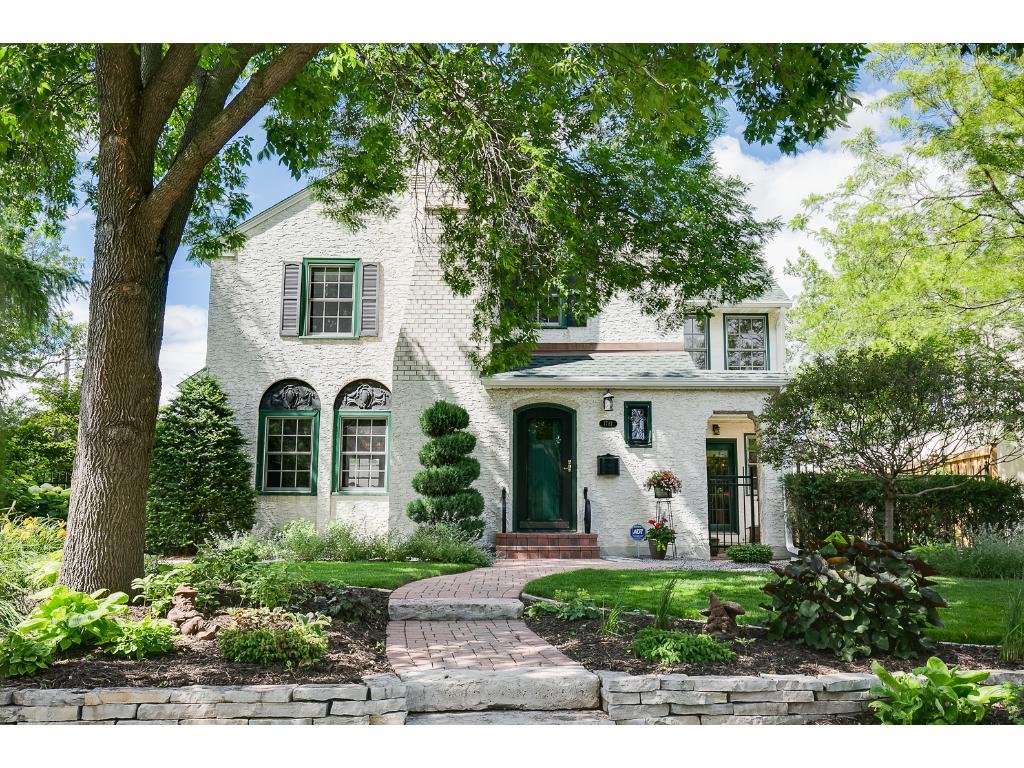 1781 Hillcrest Avenue, Saint Paul, MN 55116