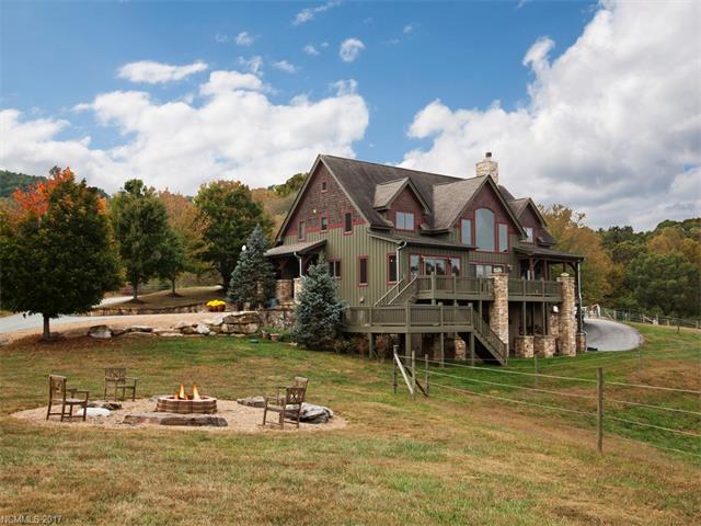 67 Farm View Road, Fairview, NC 28730