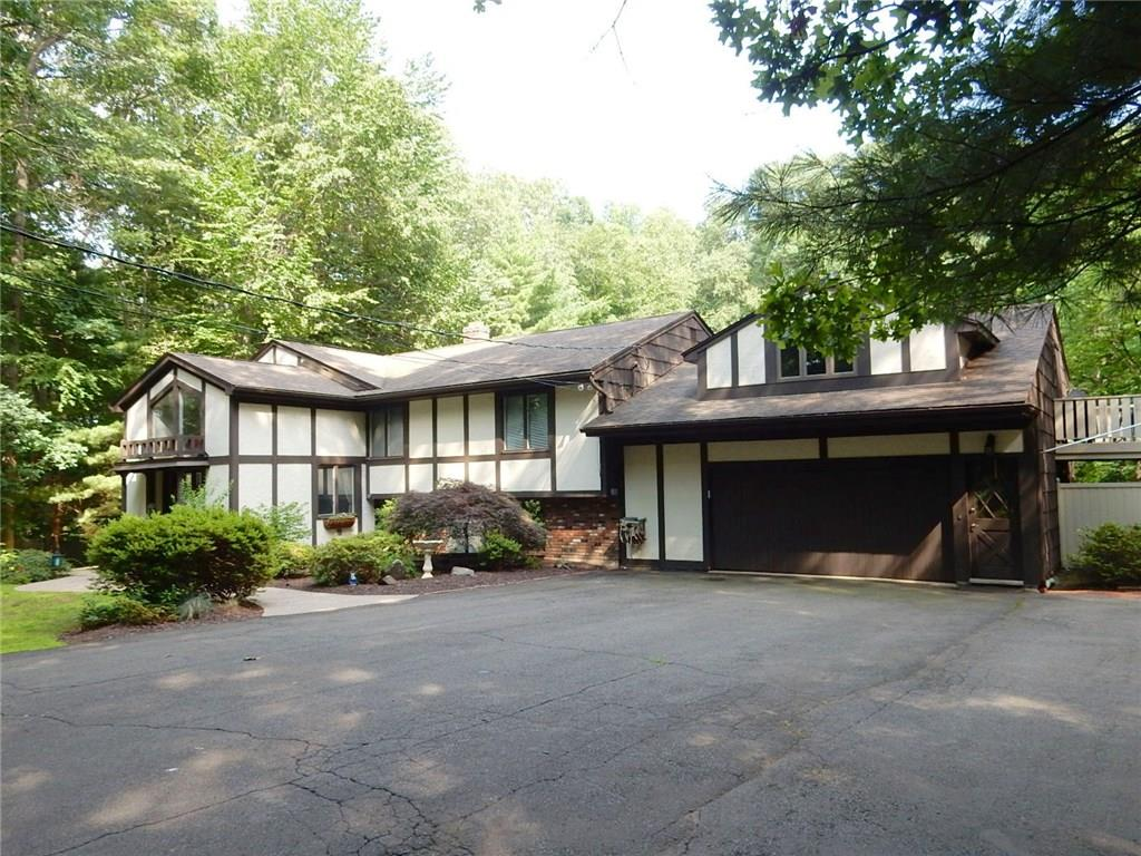 19 Carolyn Court, North Haven, CT 06473