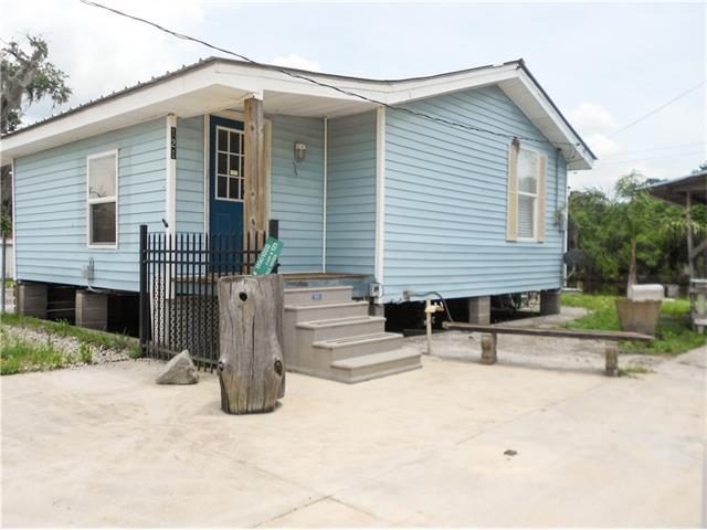 121 SQUIRREL Road, Port Sulphur, LA 70083