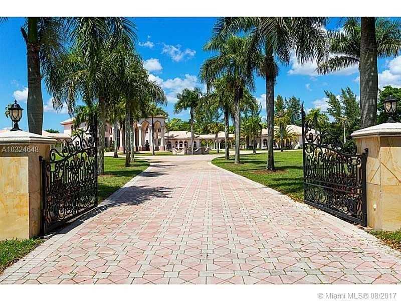 21579 Cartagena Dr, Boca Raton, FL 33428