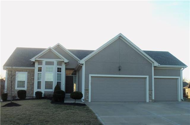 5041 WOODSTOCK Court, Shawnee, KS 66218