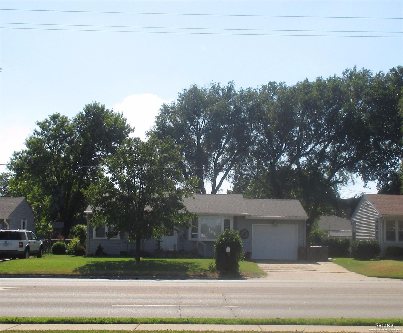 852 S Ohio Street, Salina, KS 67401
