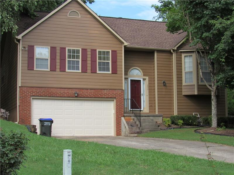 250 Taylor Meadow Chase, Roswell, GA 30076