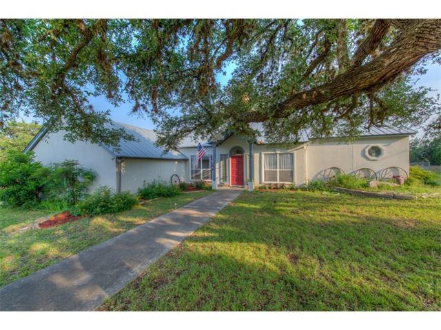 438 Stonegate Dr, Johnson City, TX 78636