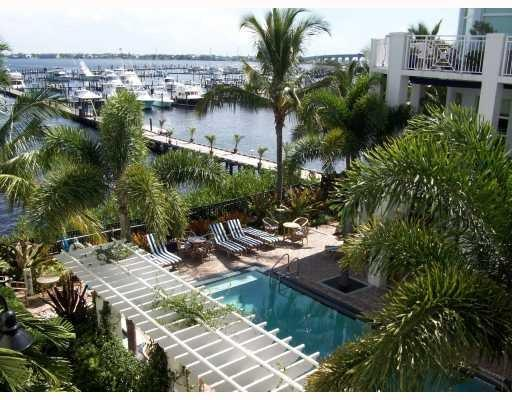 975 NW Flagler Avenue 306, Stuart, FL 34994
