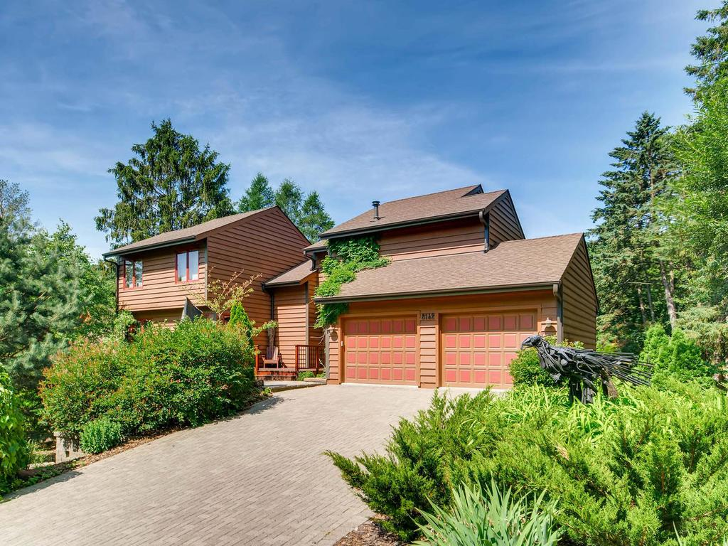 8142 Utah Avenue S, Bloomington, MN 55438