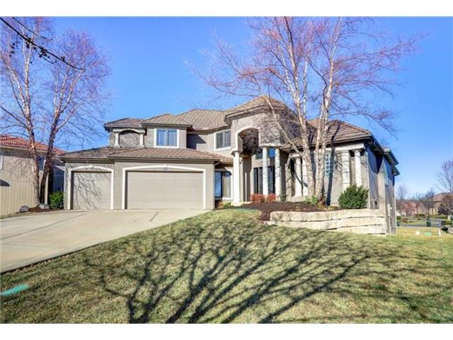 8934 Quail Ridge Lane, Lenexa, KS 66220