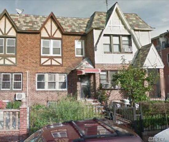 49-05 Oconnell Ct, Elmhurst, NY 11373