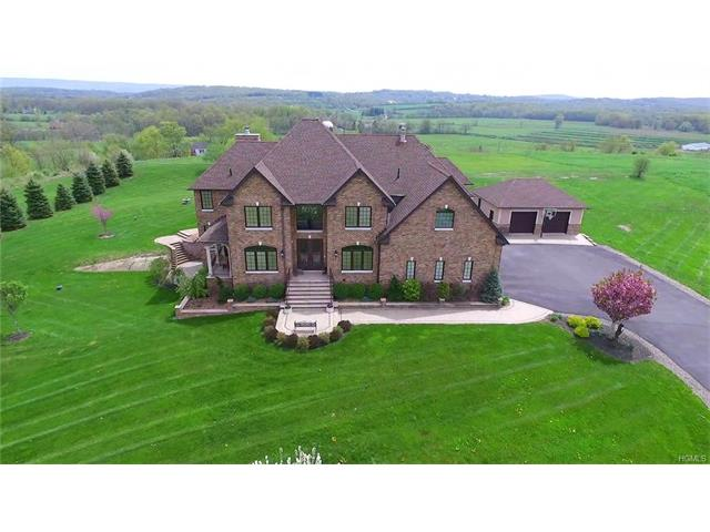 1 Farview Lane, Campbell Hall, NY 10916