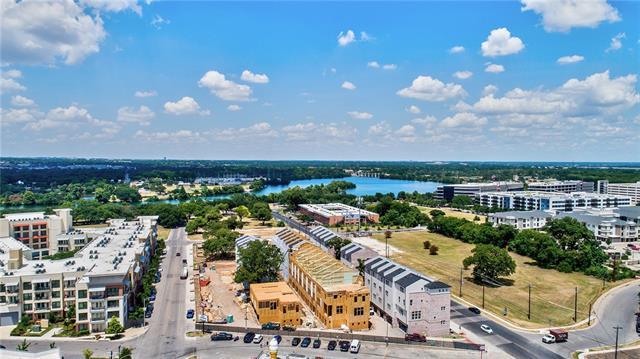 1403 Town Creek Dr, Austin, TX 78741