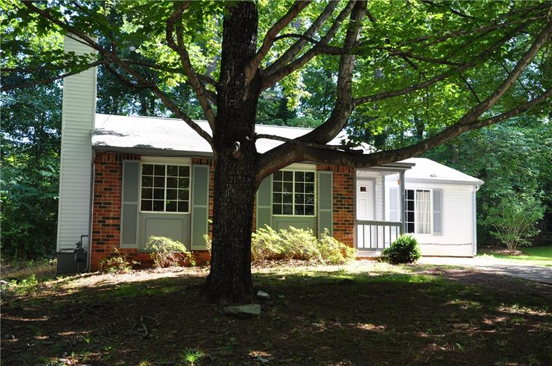 350 Hembree Forest Circle, Roswell, GA 30076