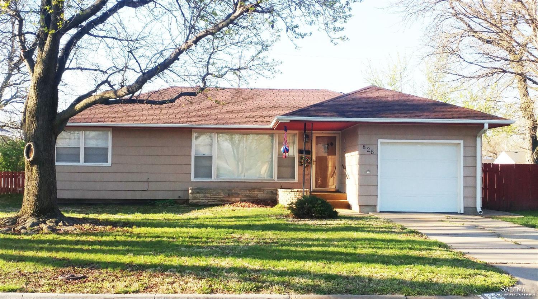 828 McAdams Road, Salina, KS 67401