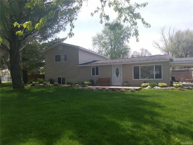 1912 SCHEIFLE RD, Walled Lake, MI 48390