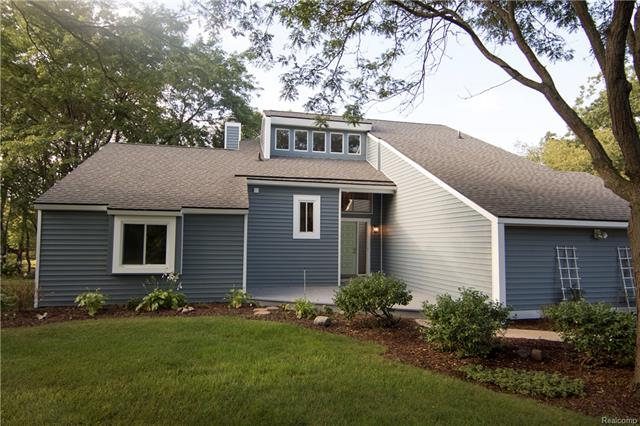 3619 TAGGETT LAKE Court, Highland Twp, MI 48357
