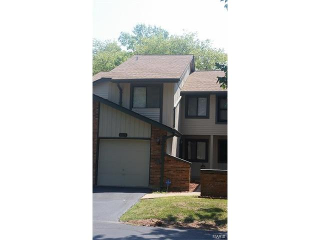 2028 Painted Leaf, Maryland Heights, MO 63043