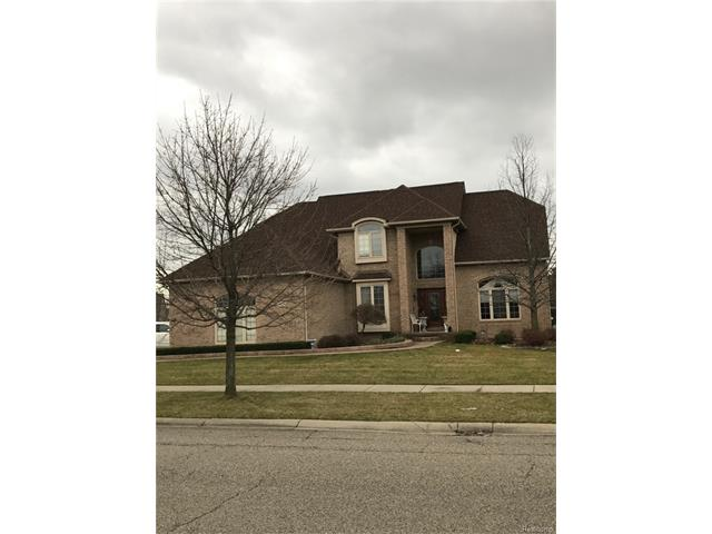 13800 GREENVILLE Drive N, Shelby Twp, MI 48315