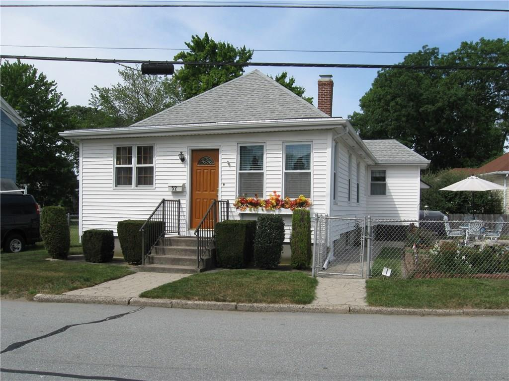 52 Middle ST, Lincoln, RI 02865