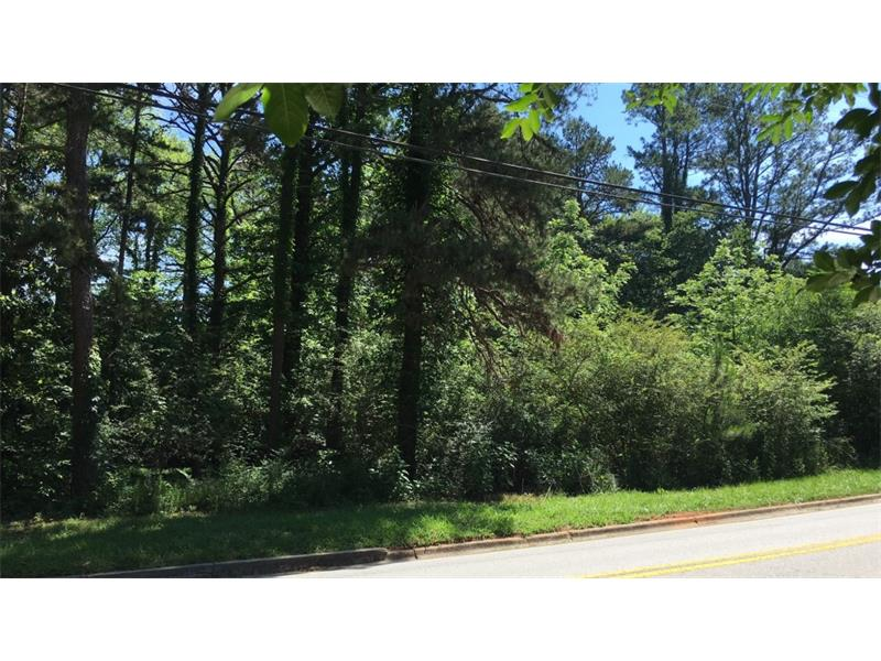 This perfect home site is now offered on East Lake Drive along the #7 fairway of the Chattahoochee Golf Course. This lot has over 200 feet of road frontage and is the last lot on the right before East Lake Drive crosses between Lake Lanier and Lake Knickerbocker. Enjoy living on the golf course, using either lake, walking through Chattahoochee Estates, and living so close to the private Chattahoochee Country Club, which is open for new members. Several new homes are under construction in this neighborhood. 250 feet along the golf course.