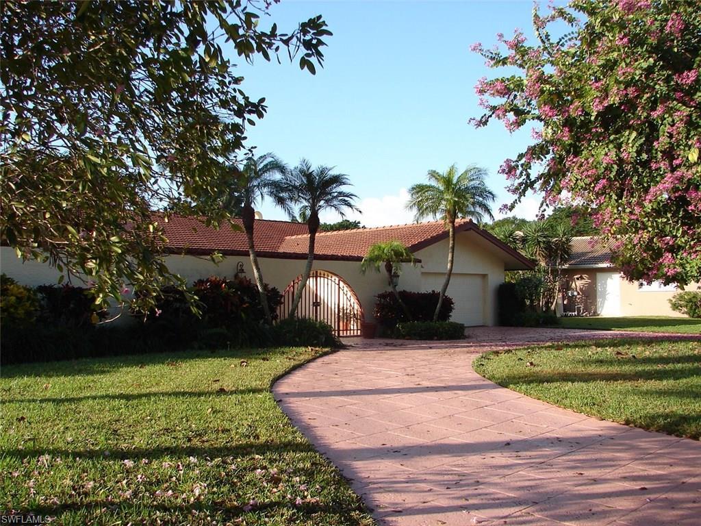 512 Whispering Pine LN, NAPLES, FL 34103