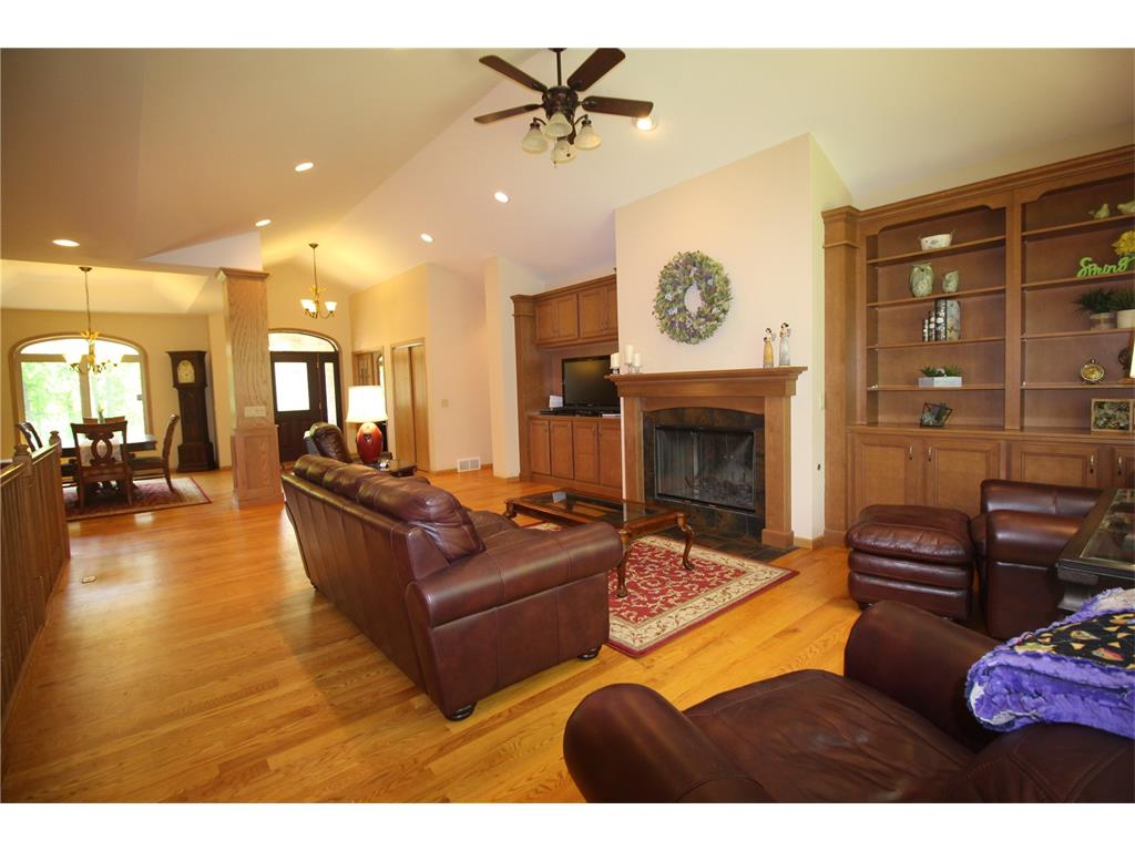 3439 Forest Edge Road, Center Point, IA 52213