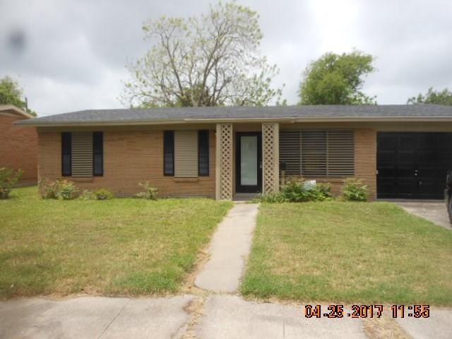 1129 Crescent Dr, Corpus Christi, TX 78412