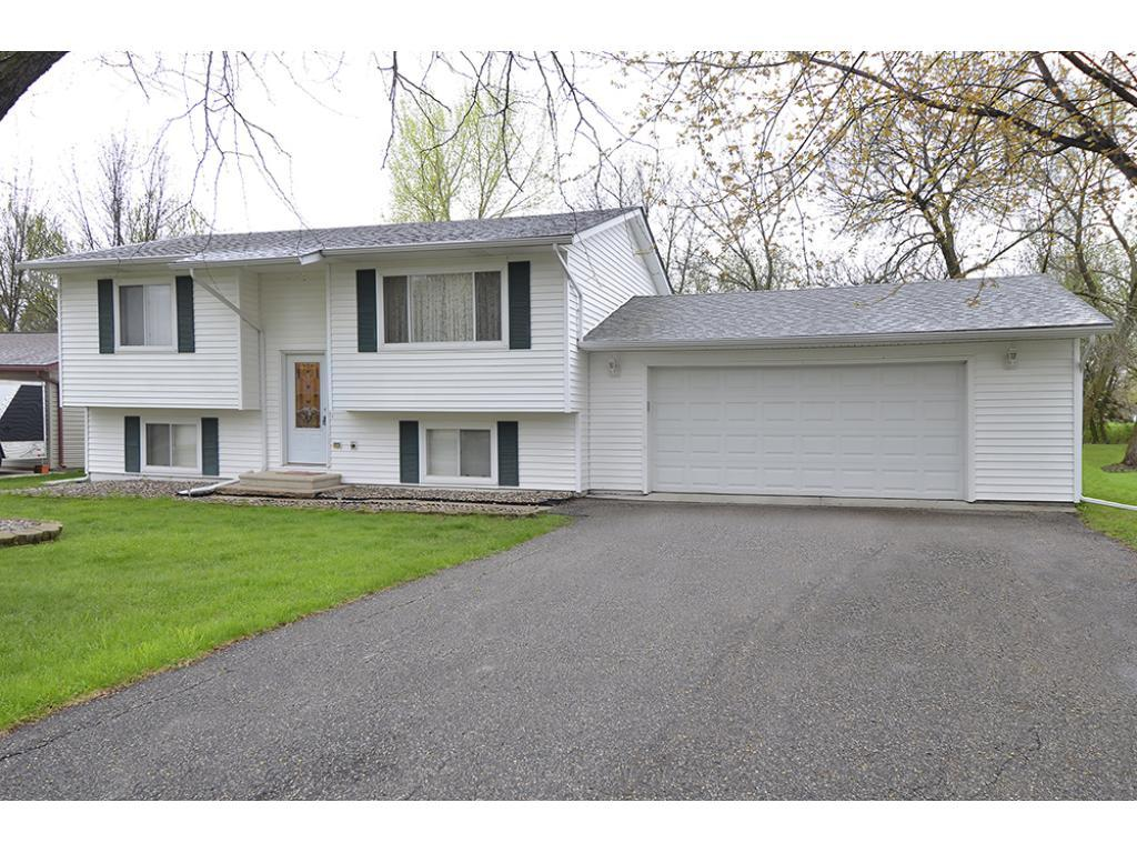 709 3rd Street NW, Waseca, MN 56093