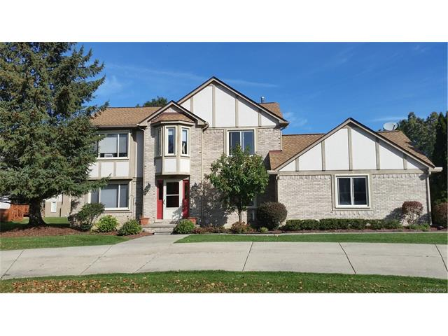 5123 W POND CIRCLE, West Bloomfield Twp, MI 48323