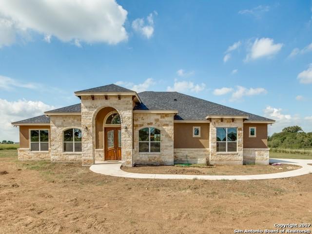 112 CAYLEA DR, Floresville, TX 78114
