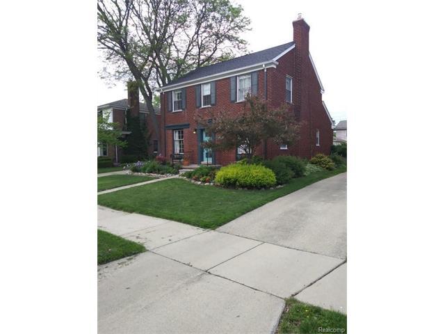 10734 LUDLOW Avenue, Huntington Woods, MI 48070