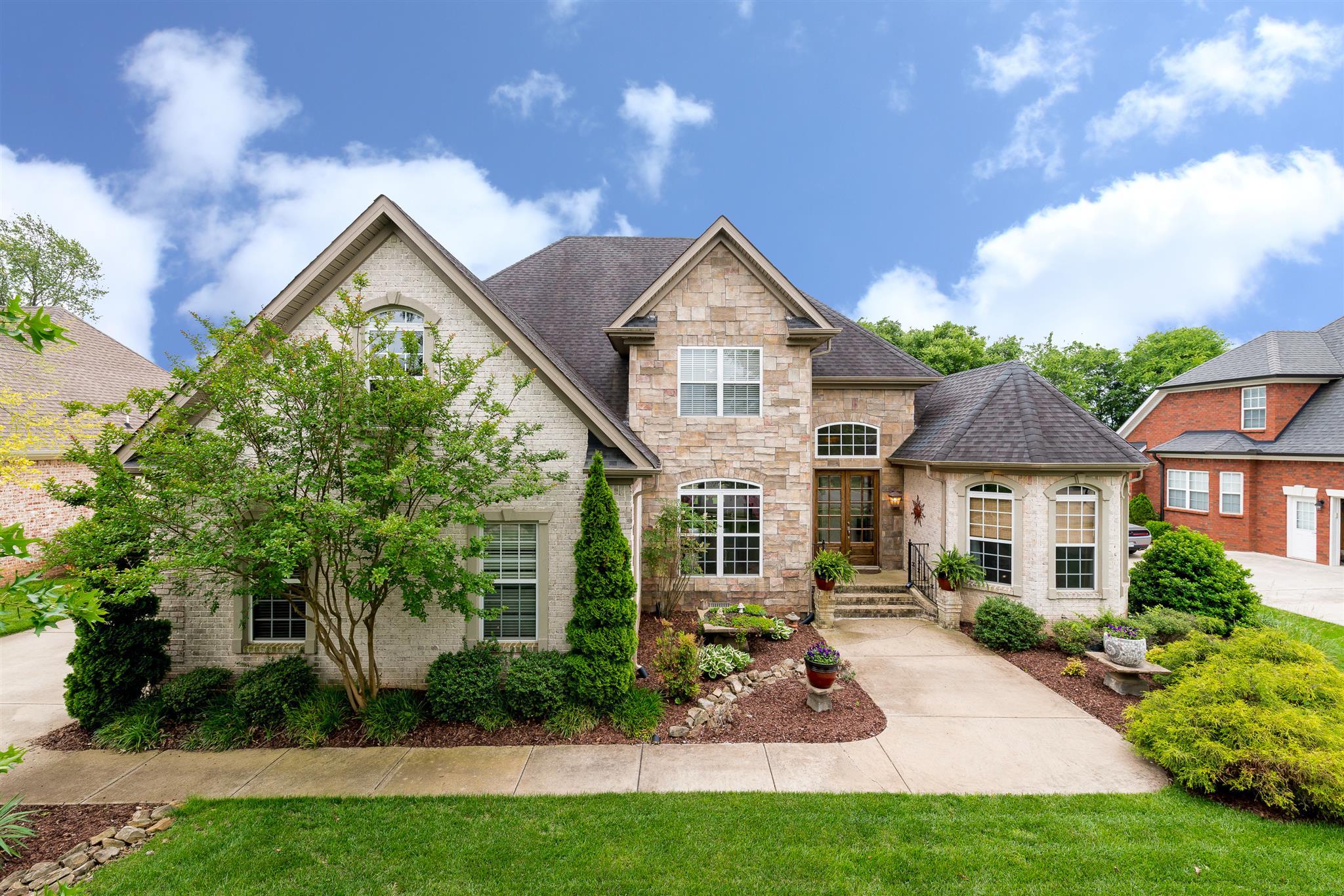 5353 Sherrington Rd, Murfreesboro, TN 37128