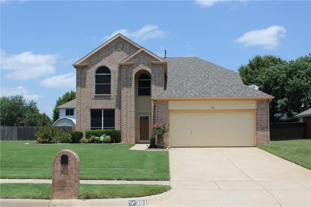 301 Double Oak Lane, Lake Dallas, TX 75065