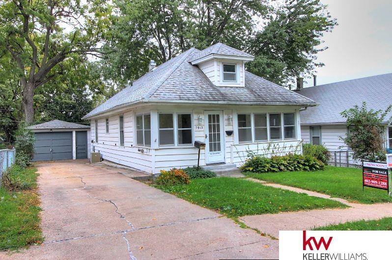 7913 Maywood Street, Ralston, NE 68127