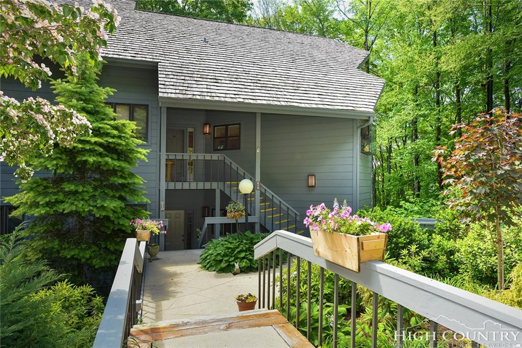 210 Grouse Moor Drive, Linville, NC 28646
