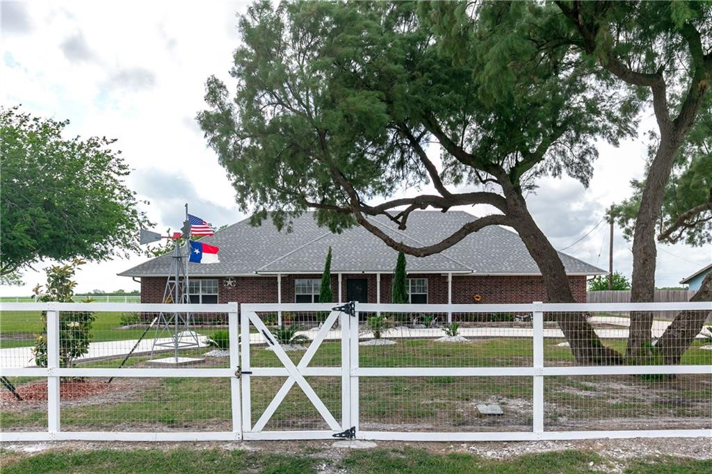 3893 County Rd 61, Robstown, TX 78380