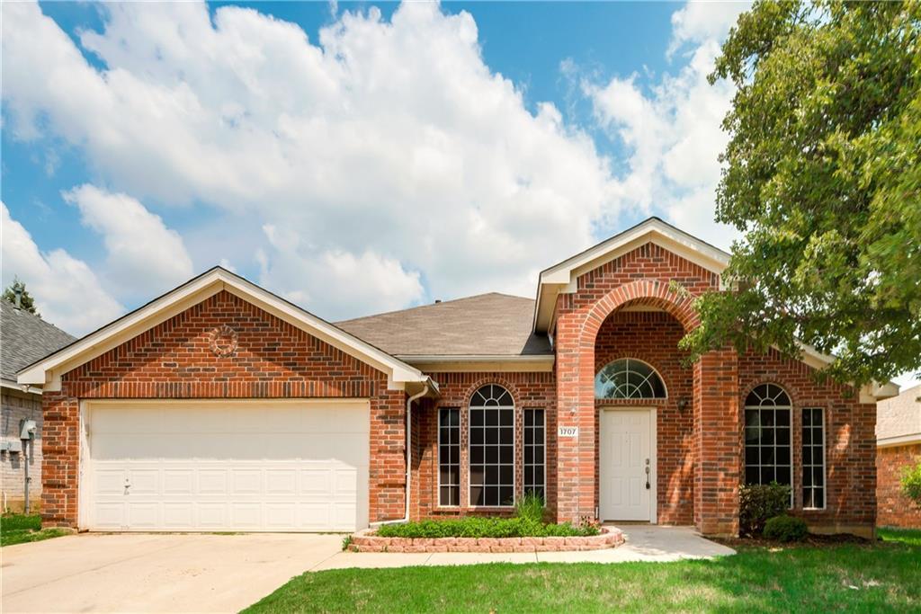 1707 Falcon Drive, Corinth, TX 76210