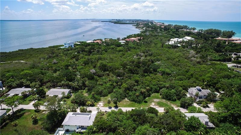 560 GULF BAY ROAD, LONGBOAT KEY, FL 34228