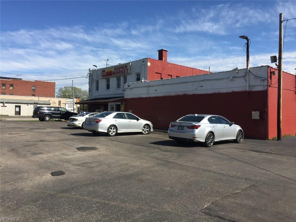 1128 W Market St, Warren, OH 44485