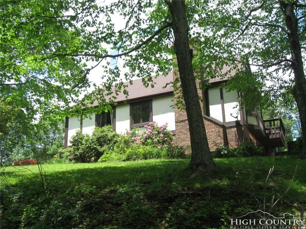392 Hickory Heights Drive, Boone, NC 28607