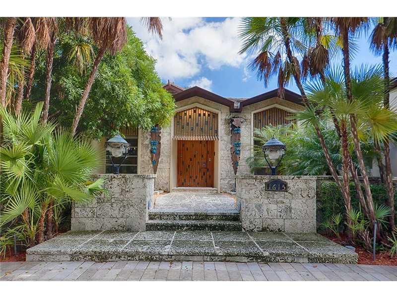 1615 Diplomat Pkwy, Hollywood, FL 33019